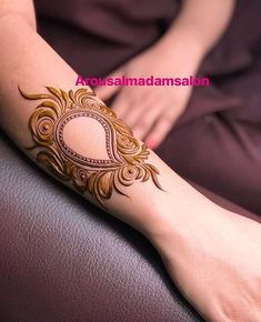 New tattoo ideas small simple henna designs Ideas Henna Hand Designs, Dulhan Mehndi Designs, Mehndi Designs Finger, Khafif Mehndi Design, Mehndi Designs For Beginners, Modern Mehndi Designs, Bridal Henna Designs, Mehndi Design Pictures, Mehndi Designs For Fingers