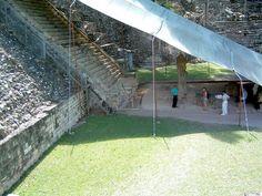 Vue latérale du grand escalier, Ruines de Copán, Copán, Honduras, Janvier 2004