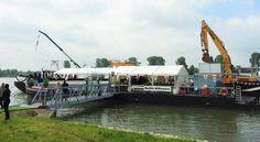 Schiff Ahoi! Frachter Doris wird getauft.  TAKE A LOOK Events organisierte die Taufe des rheinischen Frachtschiffes in Niederkassel bei Bonn.