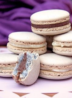 A macaron őrület… Meringue, Hungarian Recipes, Pavlova, Macarons, Mousse, Fondant, Panna Cotta, Muffin, Food And Drink