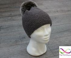 Strikket bryllupsgave – del 3 – Tid Til Overs Winter Hats, Crochet Hats, Fashion, Knitting Hats, Moda, Fashion Styles, Fashion Illustrations
