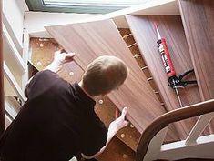 Laminat auf Treppen verlegen, Trittstufe gut andrücken, Foto: BHK Holz- und Kunststoff KG H. Kottmann
