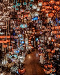 A Guide to Istanbul's Grand Bazaar - Passion Passport - - This guide will brief you on everything related to Istanbul's Grand Bazaar, an ancient architectural labyrinth that spans 61 streets and hosts shops. Grand Bazar, Grand Bazaar Istanbul, Visit Turkey, Istanbul Travel, Pamukkale, Countries To Visit, Turkey Travel, Belle Photo, Places To Travel