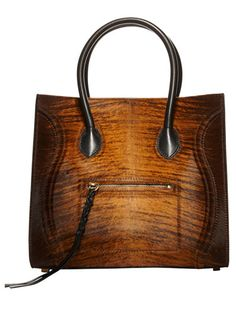 2) An ultrachic bag that goes against the grain