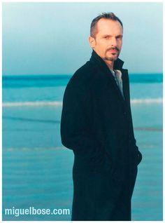 Por vos muero Miguel Bose, Sound & Vision, Cinema, Actors, Guys, Finding Nemo, Romantic Songs, Perfect Man, People