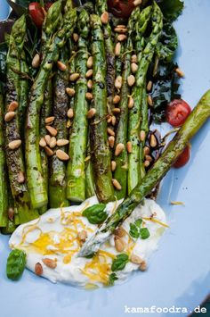 Fried green asparagus with lemon burrata - Salat Quinoa Recipes Easy, Grilled Asparagus Recipes, Healthy Breakfast Recipes, Easy Dinner Recipes, Baked Asparagus, Lemon Asparagus, Food, Melon Salad, Ground Beef