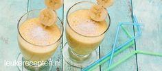 Gezonde en lekkere smoothie met mango, banaan en kokos, ideaal als ontbijt of tussendoor