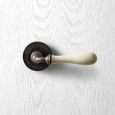 H1004 Pittella Classical Antique Bronze & Ivory Door Handle #pittella #classical #interiordesign #antiquebrass #ivory #doorhandles #doorhardware