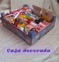♥ Un Poquito de Todo: caja de fresas decorada Form Crochet, Ideas Para, Decoupage, Gift Wrapping, Diy Crafts, Candy, Gifts, Crates, Decorated Boxes