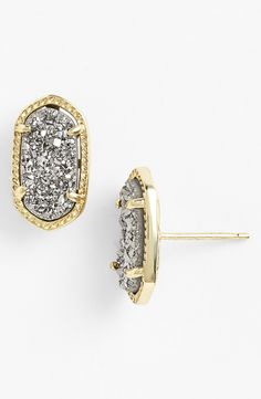 Love how these Kendra Scott earrings sparkle!