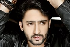 Devaski aka Shaheer Sheikh and Erica Fernandez. It was reported that the leading actors of Kuch Rang Pyaar ke Aise Bhi are not on talking Hot Actors, Actors & Actresses, Cute Little Baby Girl, Sexy Asian Men, Shaheer Sheikh, Crazy Girl Quotes, Funny School Jokes, Awesome Beards, Cute Celebrities
