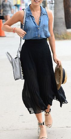 Sleeveless chambray, black midi, white handbag, straw boater hat, and nude and black mules Style Casual, Casual Outfits, Summer Outfits, My Style, Sleeveless Denim Shirts, Chiffon Shirt, Inspiration Mode, Jamie Chung, Skirt Outfits