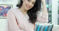 Sanam Jung Pics With Family and Biography | Amic News