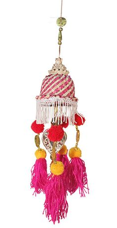 Tassels and pom-poms and stripes. Love.