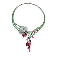 顶级英伦珠宝的华贵设计之魅 ❤ liked on Polyvore featuring jewelry, necklaces, accessories, collares, flowers, collar jewelry, flower necklace, flower jewelry and collar necklace