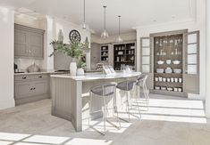 Mashup Monday Inspired English Kitchen Details from Tom Howley - Slave to DIY 10x10 Kitchen, New Kitchen, Kitchen Ideas, Kitchen Designs, Kitchen Corner, Kitchen Redo, Country Kitchen, Tom Howley Kitchens, Grey Painted Kitchen