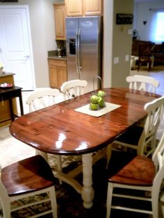 I found this table for a steal on Craigslist, but didn't like the color. Here is how I created a two tone look for this Dining Room Table Makeover. Kitchen Table Redo, Dining Table Makeover, Dining Room Table, A Table, Kitchen Ideas, Kitchen Seating, Dining Decor, Furniture Projects, Home Projects