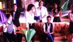Glee Amigos Escena: Glee Cast recrea Amigos Secuencia de apertura | OK! Revista