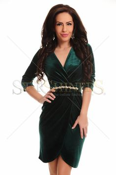 Rochie LaDonna Velvety Touch DarkGreen. Rochie LaDonna din catifea, mulata pe corp, cu maneci trei-sferturi si decolteu in V. Alege din colectia de rochii 2014-2015! Lungime 86 cm de la sub brat.