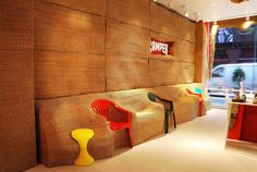 Interior Design Shop is going to show you everything about the Camper accessories design by Campana Brothers, the famous Brazilian designers. Retail Interior Design, Retail Store Design, Top Interior Designers, Retail Shop, Design Shop, Camper Store, Space Architecture, Pop Up Shops, Shop Interiors