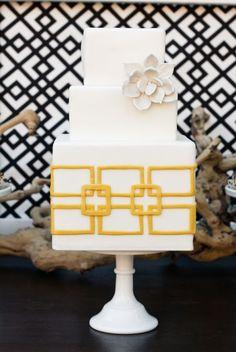 love this modern wedding cake. Photo: Sweet & Saucy Shop
