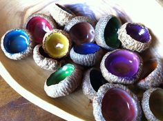 Holy moly, this is so smart! Acorn caps + markers + white glue = lovely jewels! recycle upcycle craft diy