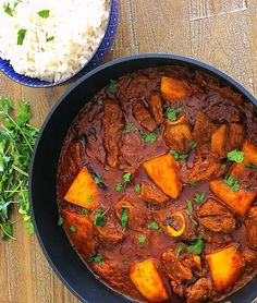 Durban Lamb Curry, a South African Indian lamb curry cooked the authentic South African way. A rich, delicious curry with robust flavours Lamb Chop Recipes, Meat Recipes, Indian Food Recipes, Cooking Recipes, Healthy Recipes, Ethnic Recipes, Indian Foods, Roti Recipe