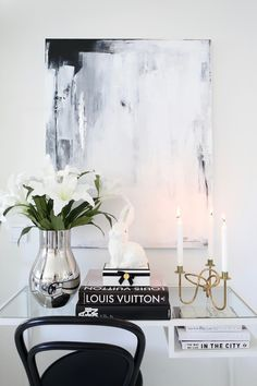 Homevialaura | Modern classic Easter decor | Georg Jensen Flower Pots, Flowers, Spring Is Here, Modern Classic, Bellisima, Staging, Vignettes, Interior Styling, My House