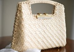Black Friday Sale / vintage BEIGE STRAW purse, 1970s -- vintage bags and purses, 70s purses, straw bag purse