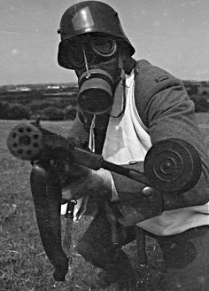 """gas-masks-official: """" German Note the string running from the manifold to the forehead, on the later it would be replaced with a canvas strap."""