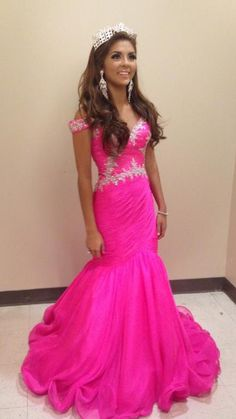 Miss Mississippi Teen USA 2015 Evening Gown: HIT or MISS?  http://thepageantplanet.com/miss-mississippi-teen-usa-2015-evening-gown/