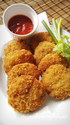 MiMi Bakery House: Fried Prawn Cake [10 Nov 2015]
