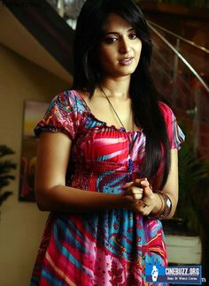 Latest Hot and Unseen Sizzling Photoshoot Pics of Anushka