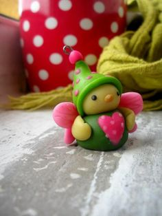 fairy fimo sculpey polymer clay - It's so round and cute. Sculpey Clay, Polymer Clay Charms, Polymer Clay Projects, Polymer Clay Creations, Polymer Clay Art, Clay Crafts, Biscuit, Clay Fairies, Polymer Clay Animals