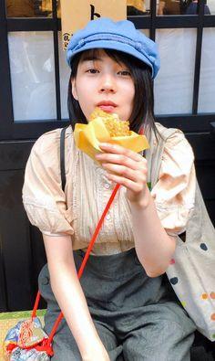 2017/5/14:Twitter:.@Mi32ts+r:あぁ、君は、いで湯のネオン花 #のん #この世界の片隅に Rena Nounen, Romantic Dates, People Eating, Girls Rules, Beautiful Asian Girls, Hana, Pretty Face, Beauty Women, My Girl