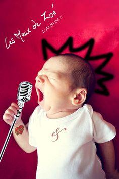 funny music - cute baby - singer - micro - chanteur