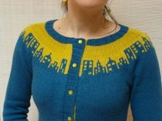 Cityscape colorwork cardigan, pattern by Laura Chau Navy blue with light pink over the city Knitting Charts, Knitting Stitches, Motif Fair Isle, How To Purl Knit, Fair Isle Knitting, Knit Or Crochet, Pulls, Knitting Projects, Knitwear