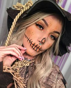 Pretty Scarecrow Makeup Idea for HalloweenYou can find Halloween makeup looks and more on our website.Pretty Scarecrow Makeup Idea for Halloween Halloween 2018, Halloween Costumes Scarecrow, Creepy Halloween Makeup, Scarecrow Makeup, Halloween Makeup Looks, Halloween Ideas, Halloween Party, Zombie Makeup, Halloween Photos
