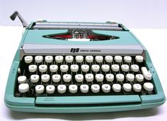 Recently I've been thinking I could use a typewriter and I think this is the one.