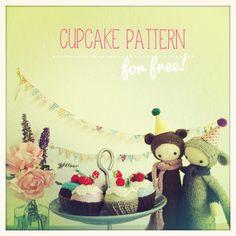 Birthday CUPCAKES - a free lalylala crochet pattern