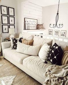 split level entry way - Home & DIY Scandinavian Design Living Room, Decor, Spring Home Decor, Room Remodeling, Entry Decor, Home Remodeling, Mobile Home Living, Exterior Paint Colors For House, Home Decor