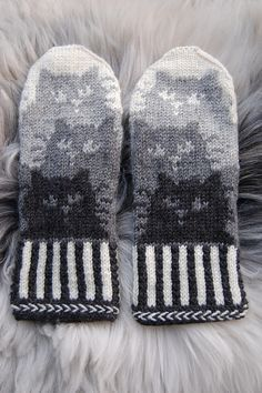 Ravelry: conniecatknitter's Kattepoter