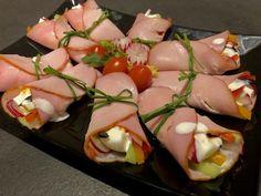 Jajka z sosem chrzanowym zawijane w szynce - Blog z apetytem Sushi, Party, Food And Drink, Appetizers, Menu, Eggs, Snacks, Vegetables, Ethnic Recipes