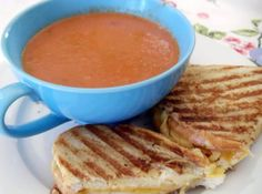 Because sometimes you just need an out-of-this-world grilled cheese.and these are the recipes you're going to want on hand. Seriously, these are some of the most delicious/ooey/gooey/mouth-watering grilled cheese recipes we've ever seen! Tomato Soup Recipes, Sprout Recipes, Mini Sandwiches, Grilled Cheese Recipes, Pinch Recipe, Recipe Box, Soup And Salad, Soups And Stews, Food To Make