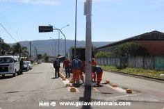 Ciclovia da Avenida Brasil começa receber colocação de calotas limitadoras