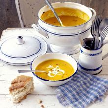 A satisfying soup which is delicately spiced and works well as a rustic starter, from BBC Good Food Magazine. Bbc Good Food Recipes, Soup Recipes, Carrot And Lentil Soup, Fennel Salad, Roasted Peppers, Food Shows, Food Hacks, Soups