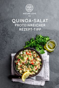 Proteinreicher Rezept-Tipp: Quinoa-Salat Quinoa is one of the best vegetable protein sources ever! Vegetable Protein, Vegetable Drinks, Mexican Food Recipes, Dinner Recipes, Ethnic Recipes, Italian Recipes, Yummy Recipes, Keto Recipes, Vegan Breakfast Recipes