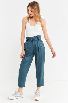 Urban Outfitters Uo Peony Paperbag Pleated Pant - L