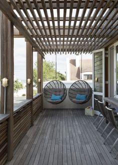 Pergola For Small Backyard White Pergola, Small Pergola, Modern Pergola, Deck With Pergola, Outdoor Pergola, Pergola Plans, Pergola Ideas, Indoor Outdoor, Modern Backyard