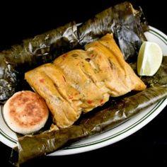 Receta de Tamales Vallunos Colombian Dishes, My Colombian Recipes, Colombian Cuisine, Masa Recipes, Mexican Food Recipes, Traditional Colombian Food, Colombian Breakfast, Puerto Rico Food, Tamale Recipe